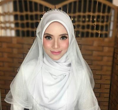 Dari Yang Biasa Hingga Menutup Dada Ini Tutorial Pashmina Untuk Pengantin Tanpa Hijab Stylist