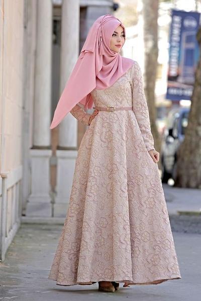 Untuk Hijabers Yuk Simak Inspirasi Berbagai Gamis Brokat Cantik Untuk Pesta Disini