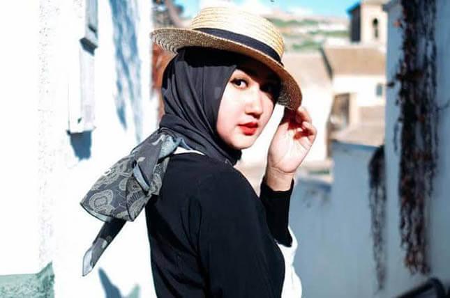Yuk Coba 3 Tutorial Gaya Hijab Dengan Topi Yang Kekinian