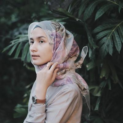 Chic Dan Simple Begini Cara Memakai Hijab Segiempat Untuk Gaya Sehari Hari